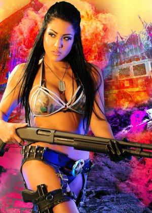 Джессика вооружена и очень опасна - фото 8