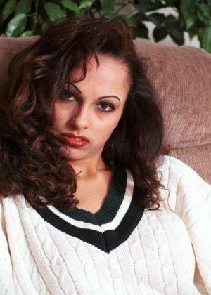 Милая женщина из Индии оголила сиськи - фото 8