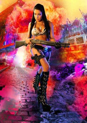 Джессика вооружена и очень опасна - фото 9