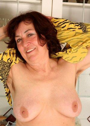 Женщина 63 лет, хочет чтобы с ее пиздой поиграли - фото 13
