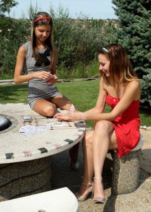 Кенди и Джина Джерсон используют один длинный фаллоимитатор на двоих - фото 9