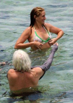 Джулия Робертс в бикини и не только - фото 2