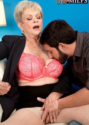 В 65 лет она продолжает ебаться как кошка - фото 12
