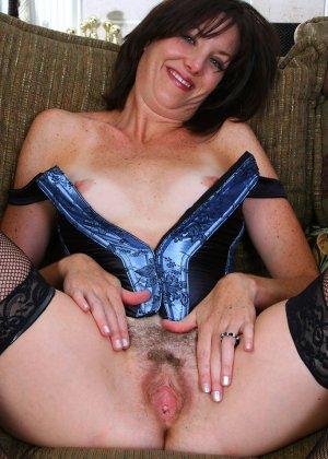 Женщина 37 лет раскрывает свою пизду - фото 5