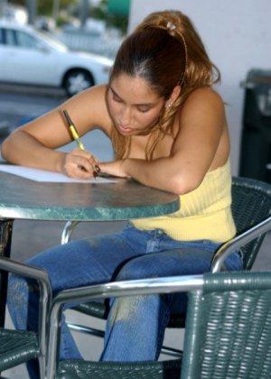Мексиканская официантка сразу согласилась трахнуться за деньги - фото 4