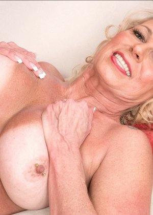 Женщина 49 лет потеряла самообладание, трахаясь с молодым любовником - фото 2