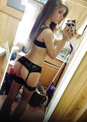 Эротическое селфи каждая девушка делает по-своему, кто-то надевает кружевное белье, а некоторые становятся раком - фото 3