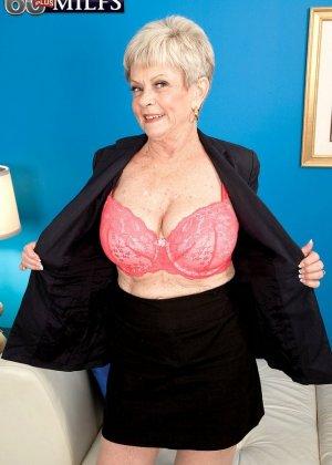 В 65 лет она продолжает ебаться как кошка - фото 7