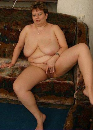 Жирная женщина с редкими волосами на лобке - фото 8