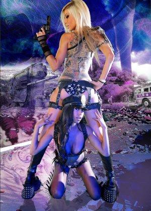 Красотка Дженифер на съемках фантастического порно фильма со своей подругой лесбиянкой - фото 12