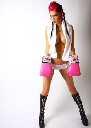 Диана в боксерских перчатках - фото 16