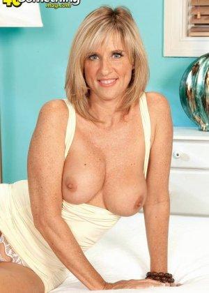 Зрелая мадам готова трахаться прямо сейчас - фото 11