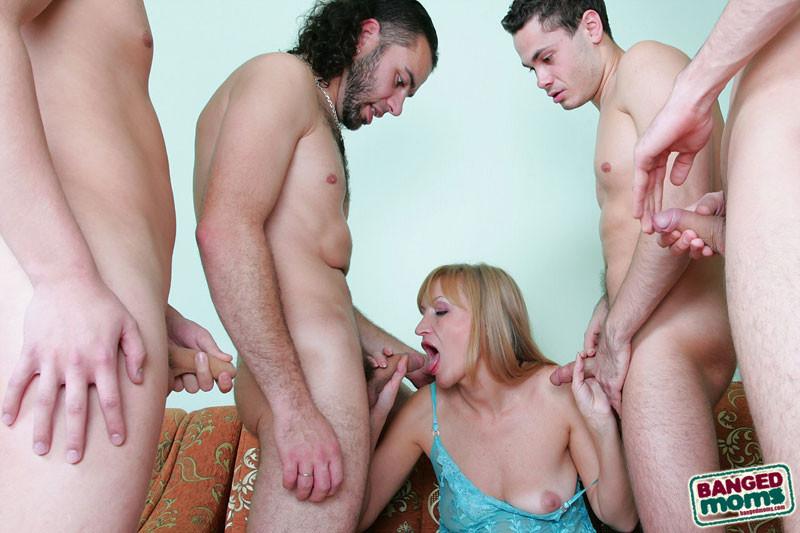 Руское оральное порно зрелвх фото 506-675