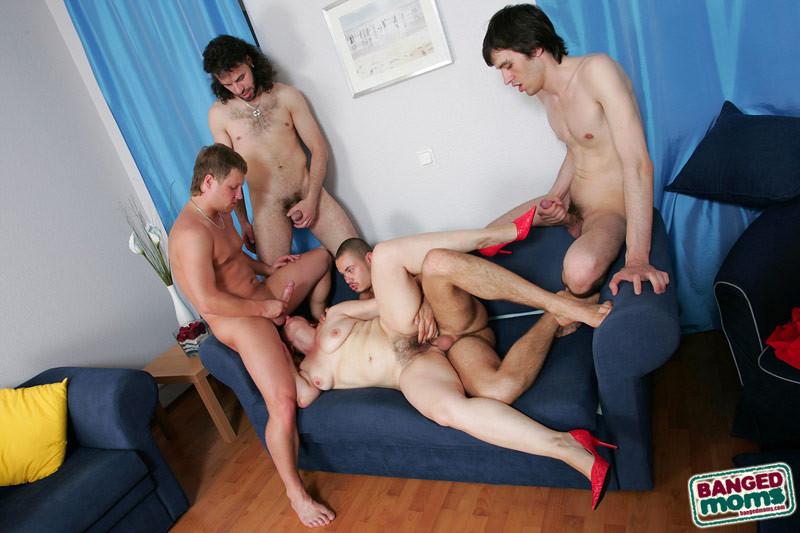 групповое порно мам фото
