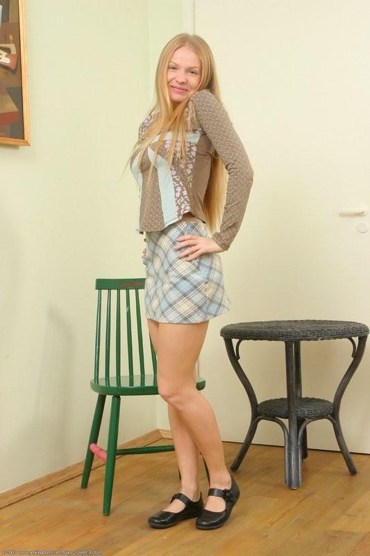 Зрелая блондинка с волосатой пиздой