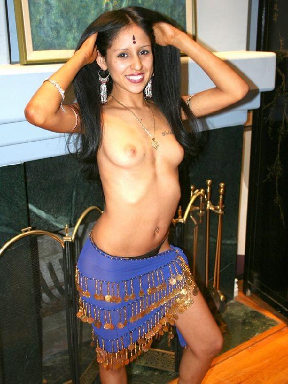 Ебля индианки с двумя хуями