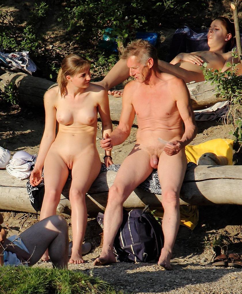 Фото откровенный секс на пляже 16 фотография