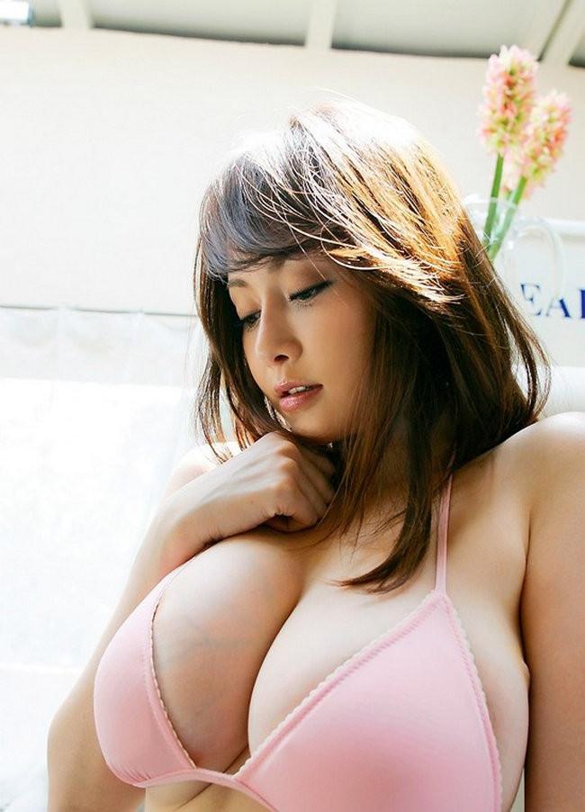 Молодые японки с большими грудями