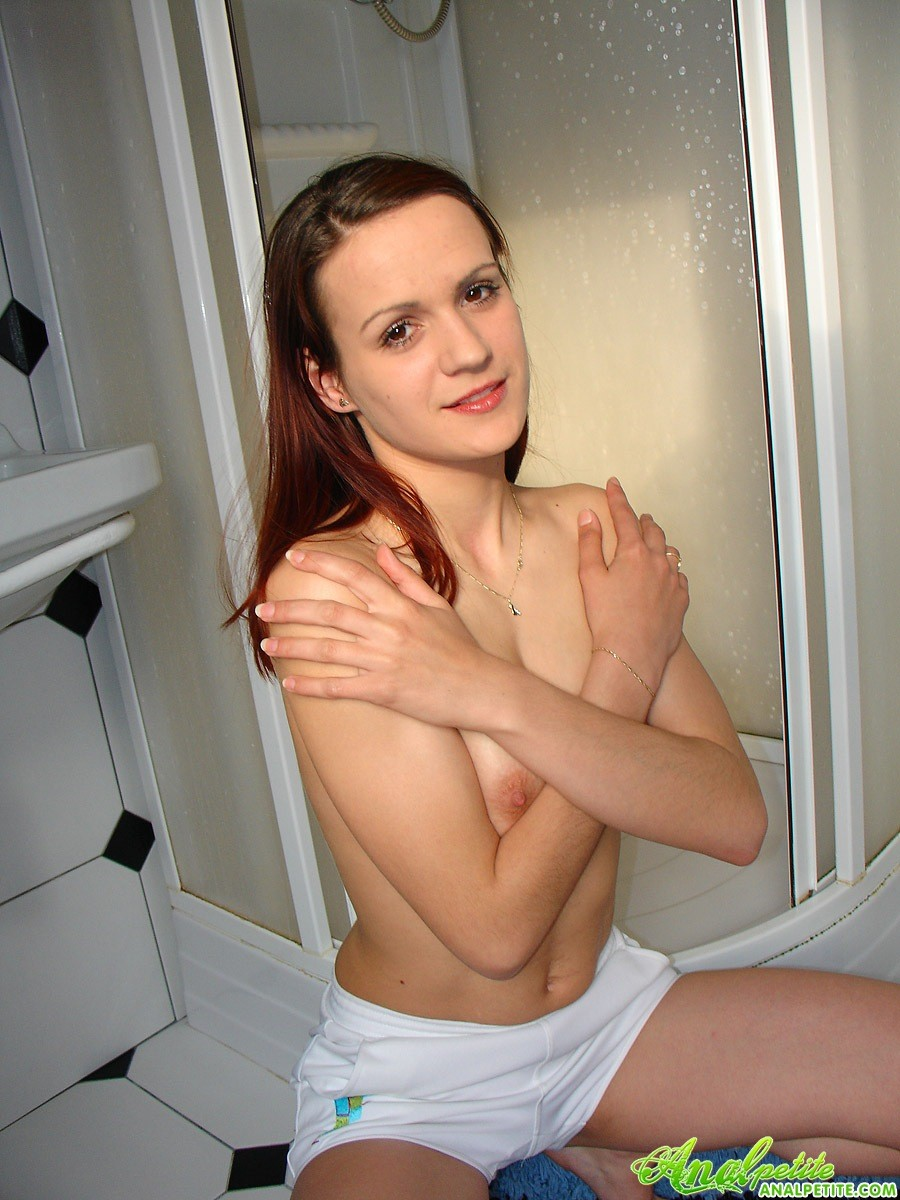 Девушка приняла душ перед анальным сексом