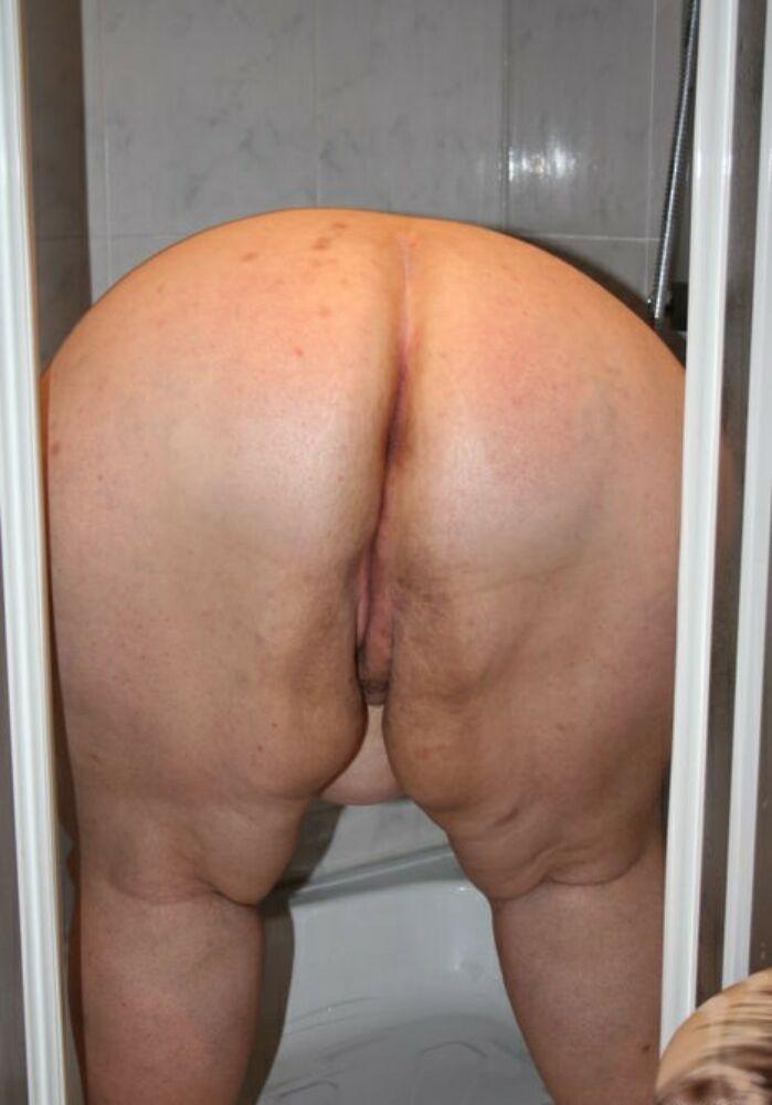 Голые толстые жопы