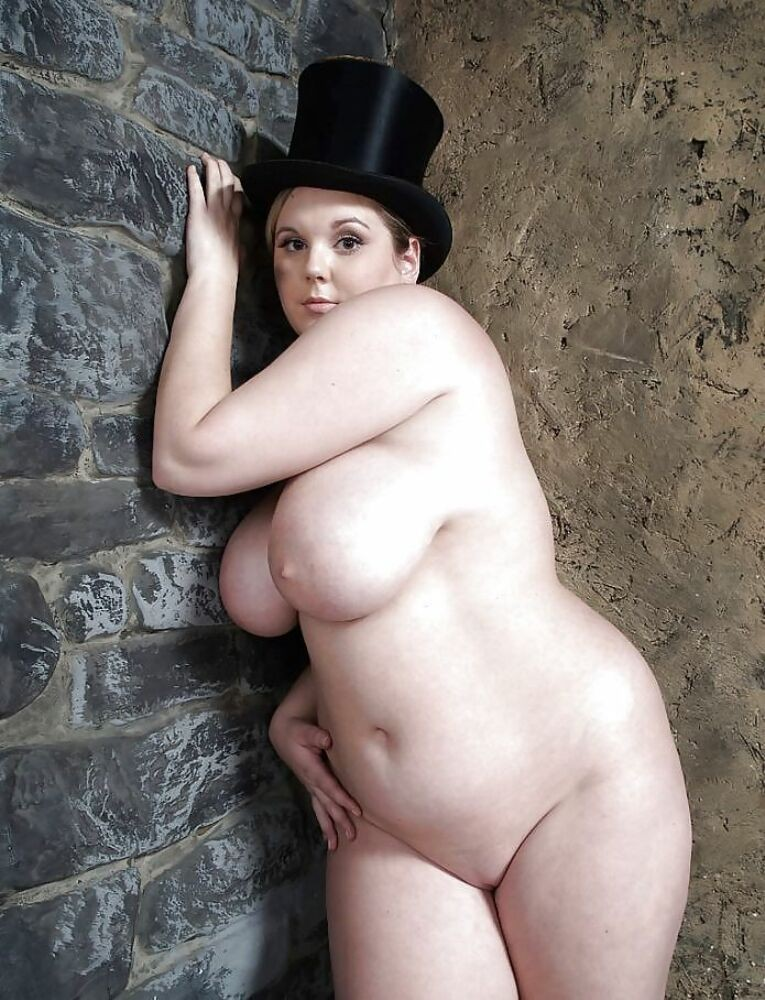 фото ню женщины толстушки