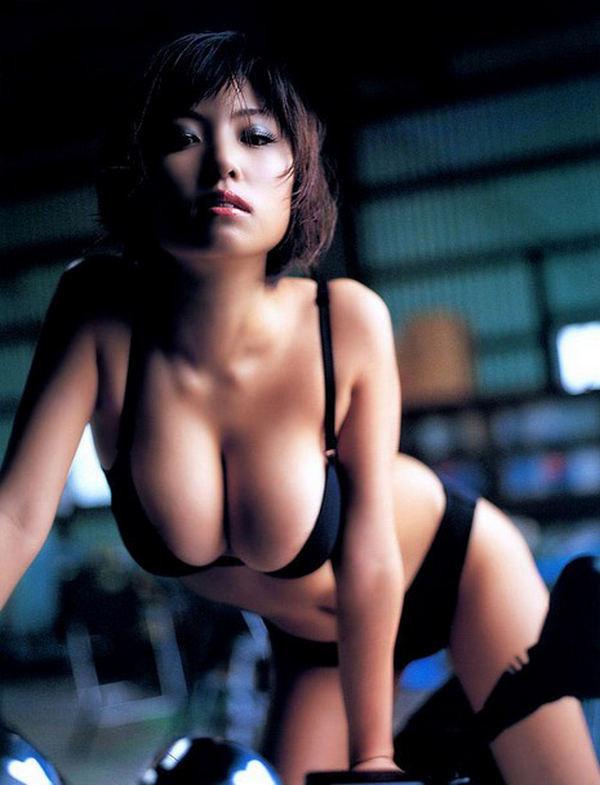 Голые японки с круглыми сиськами