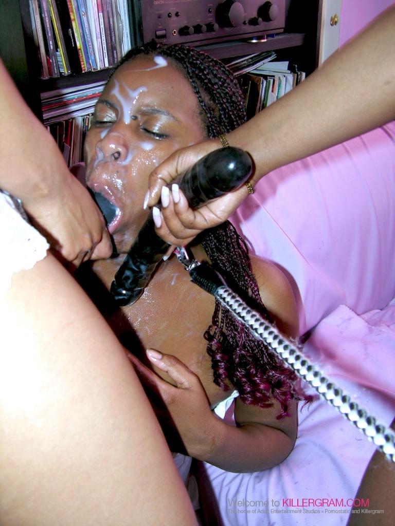 Лесбийский секс втроем негритянок