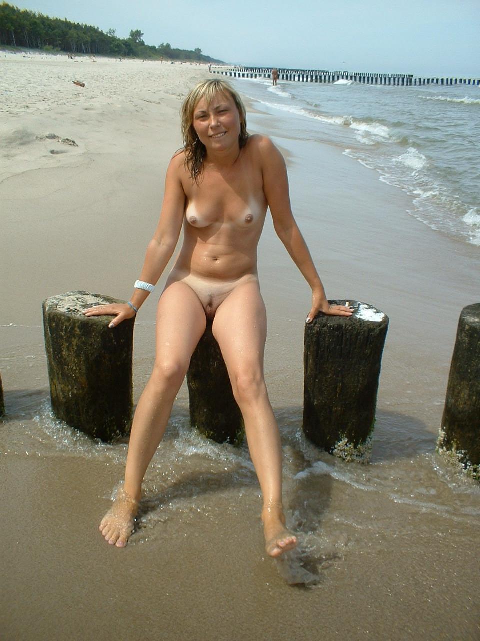 Видео с нудиского пляжа черкасы