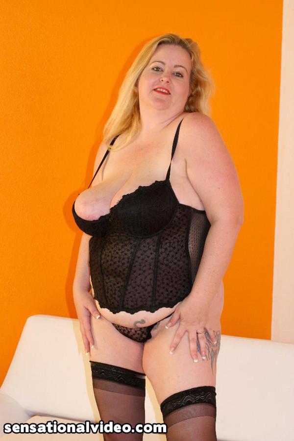 Парень выебал толстую женщину в чулках