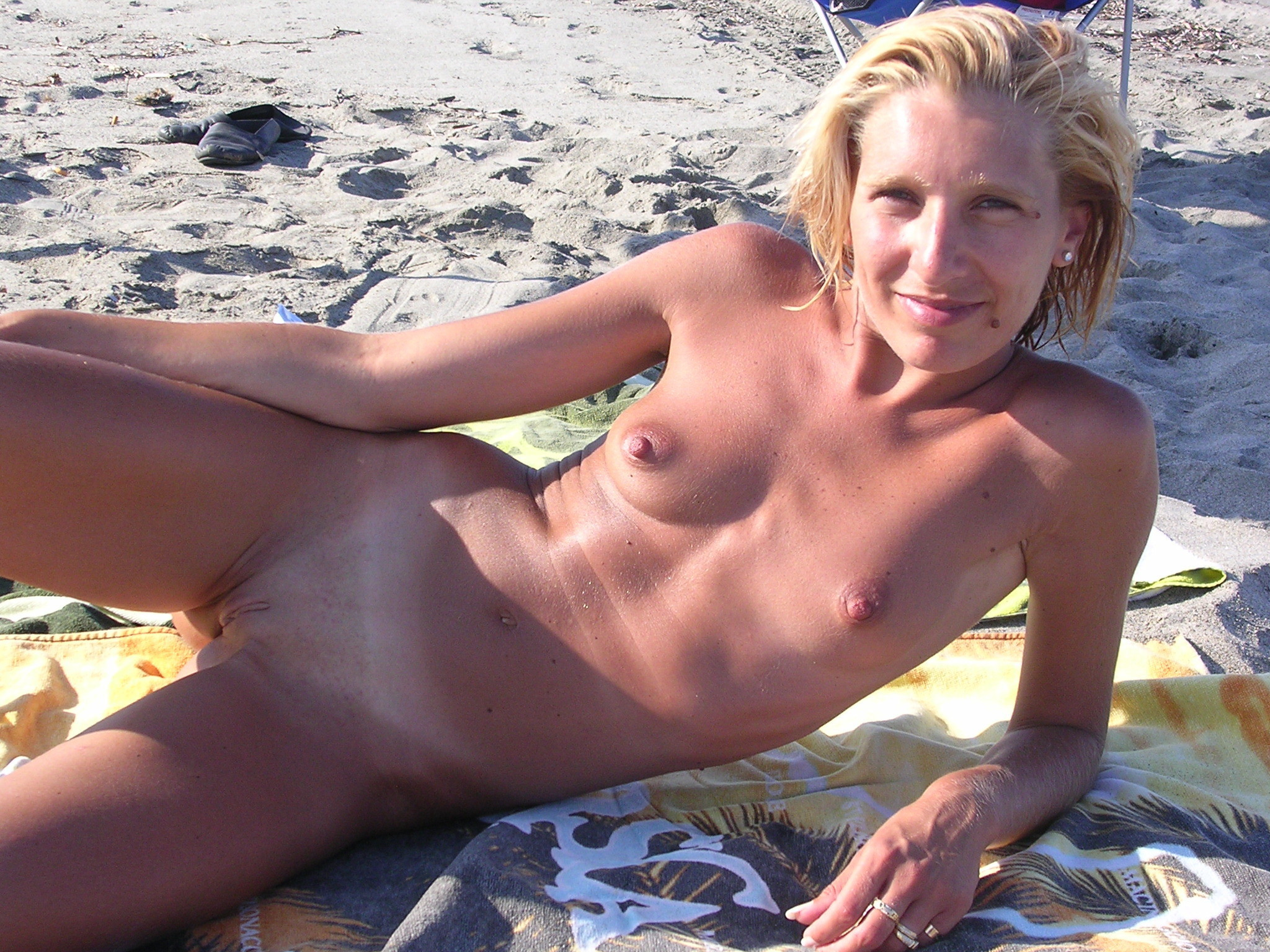 Обнаженные зрелые телки на пляже