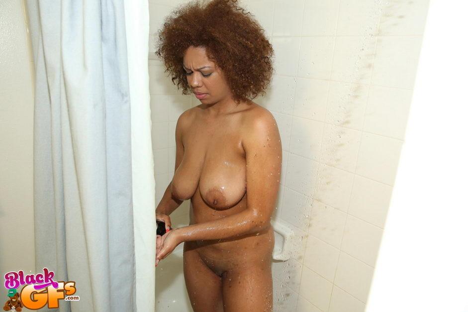 Секс с мулаткой после ванны