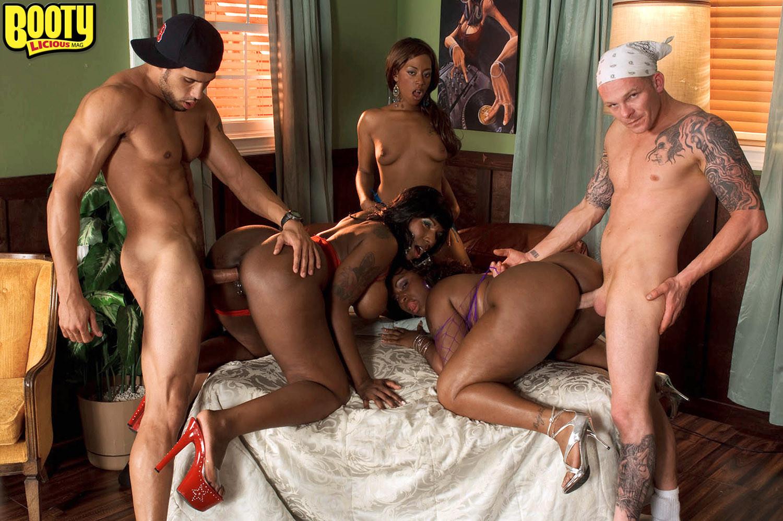 Ms Juicy, Ms Juicy, Kelly Starr, Skyy Black - Галерея 3498971