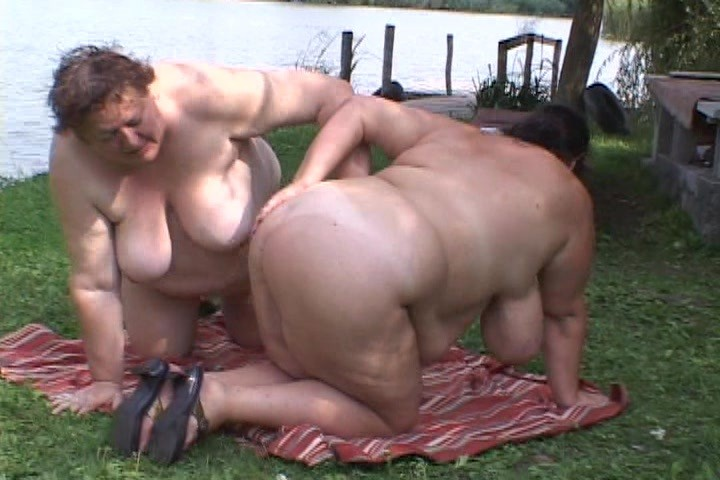Видео секс на природе толстые
