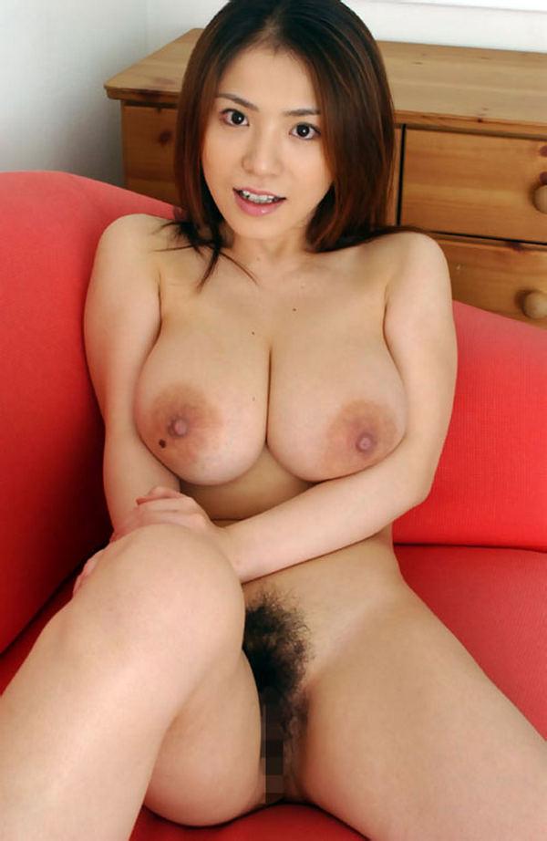 Сексуальные красивые азиатки раздеваются