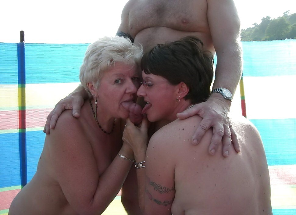 Секс на нудистском пляже