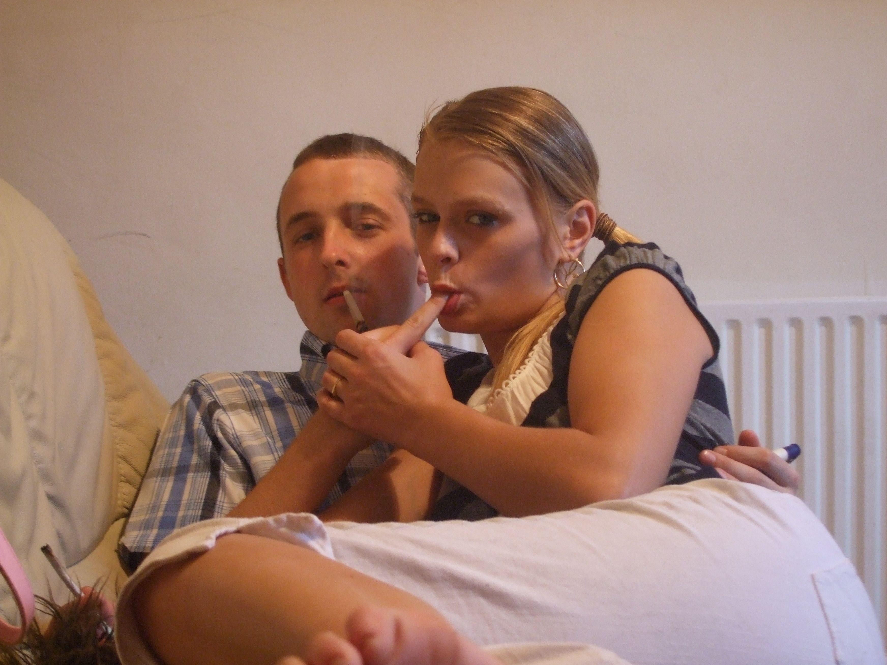 Любительские порно фото очаровательной блондинистой телки