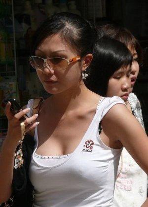 Красивые молодые азиатки голые и не очень - фото 9