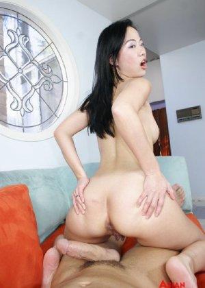 Азиатка с хорошей жопой ебется только в пизду и в рот - фото 12