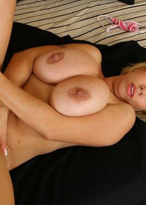 Секс с грудастой блондинкой - фото 5