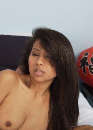 Секс гика и красивой зрелой азиатки - фото 9