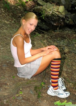 Анал с немкой в лесу - фото 2