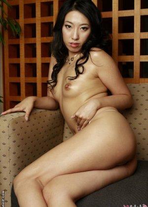 Азиатка в красивом белье - фото 9