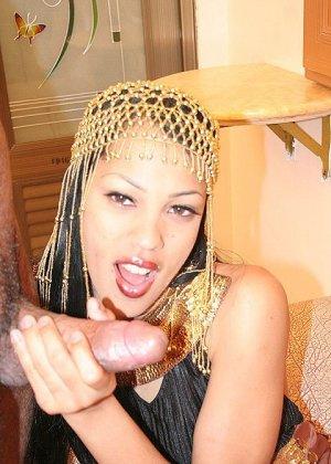Секс с красивой азиаткой - фото 5