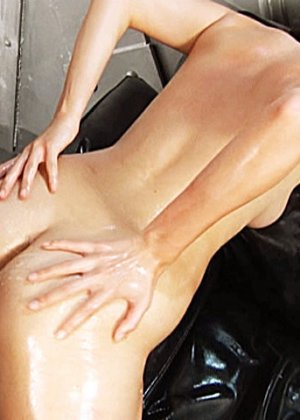 Анальный секс с какой-то чмошной проституткой - фото 15