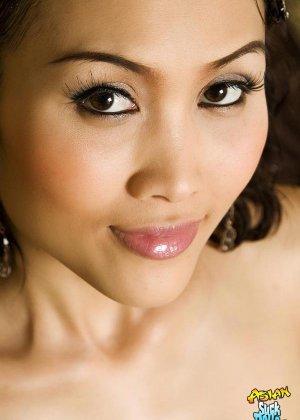 Азиатка с красивым голым телом - фото 8