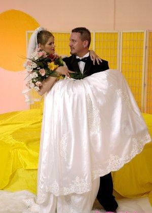 Анал с невестой - фото 2