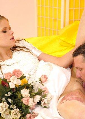 Анал с невестой - фото 6