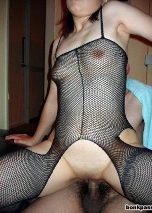 Групповой секс азиатки с мужем и его другом - фото 6