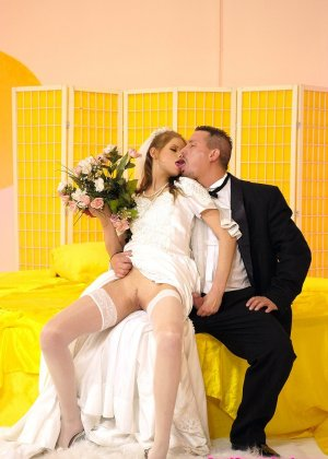 Анал с невестой - фото 5