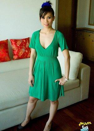 Красивая киска азиатки - фото 1